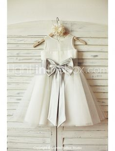 A-Line/Princess Knee-length Flower Girl Dress - Chiffon/Tulle Sleeveless Scoop Neck With Bow(s) - Flower Girl Dresses - JJ's House Simple Flower Girl Dresses, Tulle Flower Girl, Tulle Flowers, Wedding Flower Girl Dresses, Tulle Wedding, Little Girl Dresses, Tulle Dress, Chiffon Dress, Girls Dresses Online