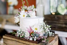 Pretty single tier wedding cake with butter cream topped with wild flowers from the garden is just gorgeous. Wedding Cakes With Flowers, Beautiful Wedding Cakes, Gorgeous Cakes, Farm Wedding, Rustic Wedding, Dream Wedding, Wedding Jitters, Wedding Cake Stands, Wedding Cake Designs