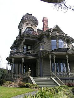 Lauren jenae gothic house, victorian gothic, victorian fashion, victorian s Victorian Architecture, Beautiful Architecture, Beautiful Buildings, Beautiful Homes, Beautiful Places, Classical Architecture, Architecture Details, Old Mansions, Abandoned Mansions