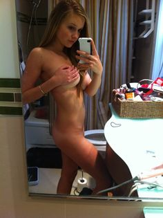 Sexy naked Selfies