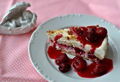 Nepečený dort s ovocem, mascarpone a zak. smetanou
