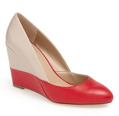 love these half #red pumps http://rstyle.me/n/jcvrzr9te