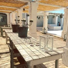 We love the rustic Masseria Style, everything is in creme white and light blue. This is summer!