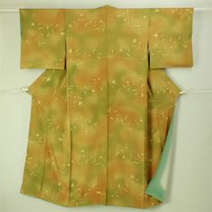 Kusahana pattern, komon kimono / 黄茶系グラデ地 ろうけつ風染めの草花柄 小紋