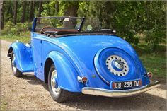 Peugeot - 201 M Cabriolet - 1937 rear view Peugeot, Vintage Cars, Antique Cars, 2cv6, Rear View, Cars And Motorcycles, Tractor, Transportation, Classic Cars