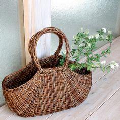 Envelope Online Shop – akebia basket bag - Most Beautiful Bag Models 2019 Rope Basket, Basket Bag, Flower Basket, Basket Weaving, Bouquet Champetre, Willow Weaving, Weaving Art, Home And Deco, Sisal