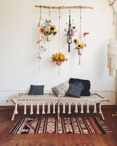 Modern Apartment Decor: Boho Home Bohemian Decor for Summer on Handmade Ch. Deco Boheme, Boho Home, Retro Home Decor, Home And Deco, Handmade Home Decor, Home Interior, Bohemian Interior, Modern Bohemian, Bohemian Living