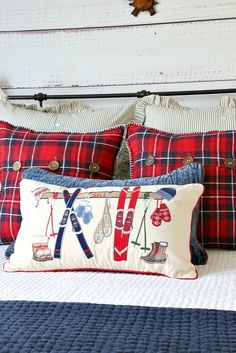 Savvy Southern Style: Christmas Cabin Guest Room Tour and Giveaway Christmas Bedroom, Christmas Home, White Christmas, Christmas Ideas, Christmas Decorations, Lodge Bedroom, Bedroom Decor, Bedroom Ideas, Master Bedroom