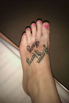 20+ Hot Foot Tattoo Ideas for Girls and Women | Tattoos Images foot names