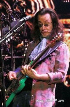 Geddy Lee of Rush Rock And Roll Bands, Rock N Roll Music, Rock Bands, Rush Music, Rush Concert, Rush Band, Geddy Lee, Neil Peart, Best Rock