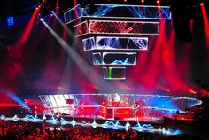 Their stage set for 2nd law is a work of art.. Muse is magical.. I love them