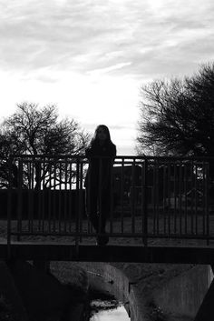 Taken on the park bridge. B&w filter used  #photography #modelling #winter #silhouette #blackandwhite #filter #urban