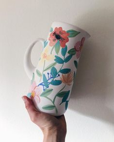 Hand Painted Pottery, Pottery Painting, Hand Painted Ceramics, Ceramic Painting, Ceramic Art, Clay Pot Crafts, Diy Crafts, Color Me Mine, Different Forms Of Art