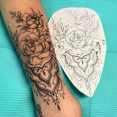 , Kronleuchter – diy tattoo image – tattoos for women half sleeve Rose Tattoos For Men, Tribal Tattoos For Men, Back Tattoos For Guys, Cool Arm Tattoos, Tribal Tattoo Designs, Tattoo Sleeve Designs, Flower Tattoo Designs, Forearm Tattoos, Unique Tattoos