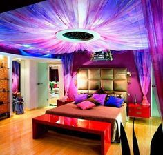 funky bedroom. I could be funky if it meant getting this room.