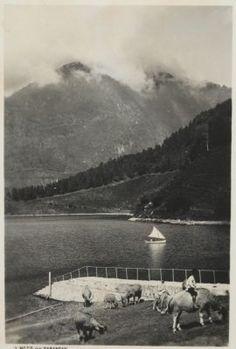 Het meer van Sarangan, Oost-Java, 4500 voet boven de zeespiegel. Ca 1930