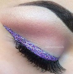This is really pretty as this Purple Glitter Eyeliner. It is different but so simple and looks very effective. I also like how it matches the very simple eyeshadow.
