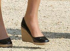 Kate Middleton's black patent wedges. LOVE them.