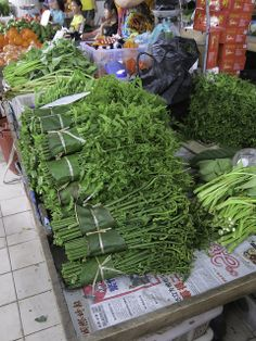 Farn - Bidayuh-Markt in Serian - Sarawak, Borneo / Malaysia
