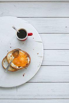 Breakfast: coffee and toast with mermelade