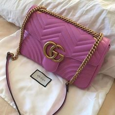 "Gucci bags now come in a number of sizes, shapes, colors, and designs. They are made and marketed throughout the world bearing the name ""Gucci"" and a reputation for quality and design. Fall Handbags, Cheap Handbags, Chanel Handbags, Handbags On Sale, Luxury Handbags, Fashion Handbags, Purses And Handbags, Ladies Handbags, Popular Handbags"