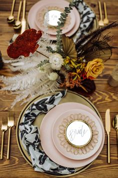 La Tavola Fine Linen Rental: Butterfly Glacier Napkins | Photography: Mikayla O'Brien Photography, Venue: Elysian Escape, Design & Florals: Bloom & Blueprint, Paper Goods & Calligraphy: Paige Poppe, Rentals: Dang!Fine Rentals