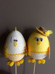 Easter Egg Crafts, Easter Projects, Easter Eggs, Easy Yarn Crafts, Jute Crafts, Easter Bunny Decorations, Easter Wreaths, Spring Crafts, Holiday Crafts