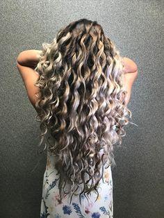 Longhair balayage coolblonde #balayagehair #curls #curlyhairstyles @kapsalonhaarvisie @aaumanjamal Bride Hairstyles, Balayage Hair, Curls, Curly Hair Styles, Bangles, Beauty, Color, Hairstyles For Brides, Bracelets