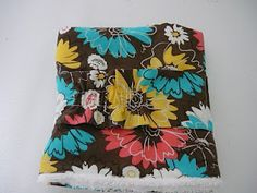 Last year I brought you this post with my tutorial for making a change pad clutch (an all in one change pad and diapers and wipe car. Baby Changing Pad, Changing Mat, Project Ideas, Craft Ideas, Projects, Creative Crafts, Diy And Crafts, Make Time, Diy Clothes