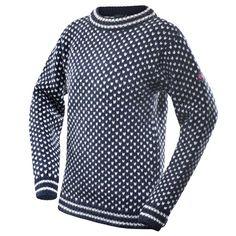 Nordsjø sweater crew neck - Dark blue/Grey - Devold of Norway Sweater Fashion, Men Sweater, Men's Fashion, Fashion Tips, Ivy Style, Dark Blue Grey, Sweater Making, Pullover, Threading