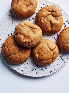 This recipe for sweet potato and molasses cookies is the perfect snack for your kids, or a nutrient-rich on-the-go breakfast! They are easy to make and freezable! Sweet Potato Cookies, Lemon Cookies, Biscuit Cookies, Sweet Potato Recipes, Desserts With Biscuits, Cookie Desserts, Cookie Recipes, Smart Cookies Recipe, Ricardo Recipe
