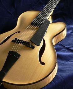 Oskar Graf blonde archtop guitar #archtop #archtopguitar #finearchtops