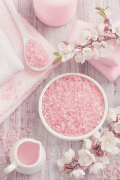 PINK PHOTO | Cherry blossom | Spa photo idea | Photo styling ideas & Inspiration | Flower flatlay | styling floral flat lays | Instagram photos |