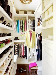 Looking for some fresh ideas to remodel your closet? Visit our gallery of leading best walk in closet design ideas and pictures. Walk In Closet Small, Double Closet, Walk In Closet Design, White Closet, Closet Designs, Narrow Closet, Bed Designs, Walking Closet, Closet Bedroom