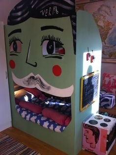 Isabelle mcallister, fixa rummet, bunk bed, kids room, kids, face, paint, green, eyes, bed, shared room