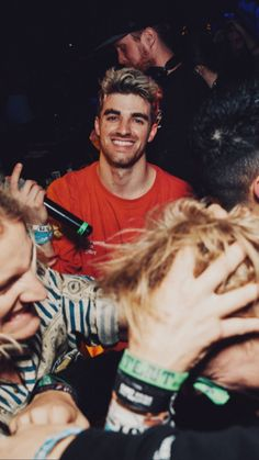 The Chainsmokers Wallpaper, Andrew Taggart, Boys Don't Cry, Braveheart, American Singers, Music Lovers, Handsome Boys, Music Bands, Cute Guys