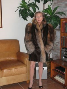 Fur Fashion, Winter Fashion, Great Women, Beautiful Women, Fur Coats, Lynx, Furs, Burlesque, Sexy Women