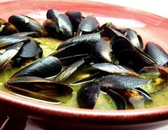 in White Wine Garlic-Butter Sauce Mussels steamed in a garlic white wine sauce, perfect with crusty french bread Fish Recipes, Seafood Recipes, Cooking Recipes, Healthy Recipes, Mussel Recipes, Cooking Dishes, Garlic White Wine Sauce, Garlic Butter Sauce, Garlic Butter Mussels Recipe
