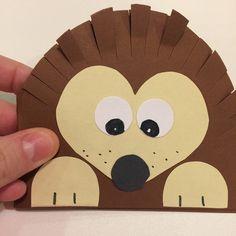 Simple Valentine's Card 💕Hedgehog 🦔 Dog Crafts, Animal Crafts, Toddler Crafts, Preschool Crafts, Diy And Crafts, Paper Crafts, Cardboard Crafts, Diy Paper, Hedgehog Craft