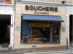 CALUIRE (69) Boucherie Beraud vendant les produits basques de la maison Oteiza dont la ventrèche, les patés, saucissons et le porc de l'aldude...