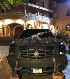 """Mi piace"": 4,848, commenti: 30 - Luxury (@autogespot_lifestyle) su Instagram: ""No problems over here Via @thisisamans.mood #lifestyle #arabmoney #autogespot #cadillac #luxury"""
