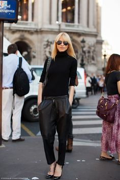 slouchy leather pants http://carolinesmode.com/stockholmstreetstyle/art/227754/slouchy_leather_pants/
