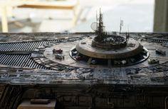 映画『ブレードランナー』の撮影で使われたミニチュアを制作している現場を写した142枚の写真がネットにアップされ話題に - amass