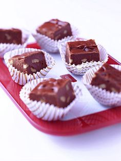 Easy Fudge - plus 10 other fudge recipes. Fudge has a special place on many holiday tables. Try a classic version or variations with ingredients like cherries, almonds or peppermint. Fudge Recipes, Best Dessert Recipes, Candy Recipes, Bread Recipes, Easy Chocolate Fudge, Easy Fudge, Chocolate Chips, Chocolate Heaven, White Chocolate