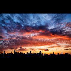 ∞ Sunset NYC... Stunning #teatime https://www.facebook.com/CelestialSeasonings/app_593554104036964