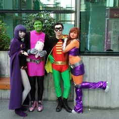Teen Titans from left to right: Raven, Beast Boy, Silkie, Robin, Starfire...the only one missing is Cyborg...otherwise, the gangs all here...I miss you guys!