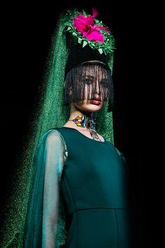 (Fashion Photography: Tiffany Lin) #photographer #londonphotographer #fashionphotographer #commercialphotographer #creativephotographer #alternativephotographer #highendphotography #creative #fashion #fashionphotography #dark #green