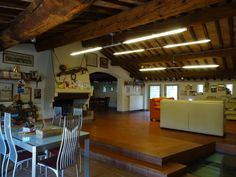 Vendita porzione di Rustico San Giuliano Terme Pisa, Table, Furniture, Home Decor, Decoration Home, Room Decor, Home Furniture, Interior Design, Home Interiors