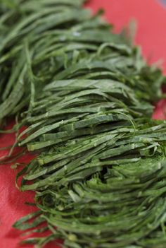 Couve a Mineira: A Recipe for Garlicky Collard Greens
