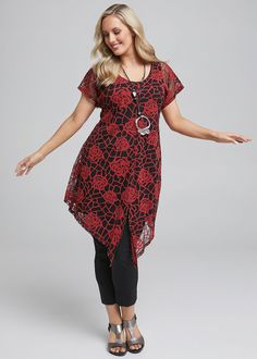 Blooming Gorgeous Tunic #takingshape #plussize #curvy